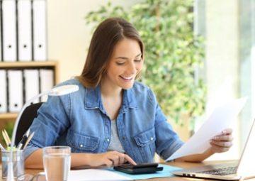 Isabelle utilise un logiciel de gestion de la facturation.