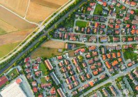 Vista aérea de una ciudad.